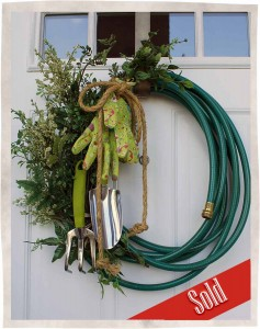 Garden-Hose-Wreath