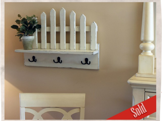 Picket Fence Shelf with Hooks
